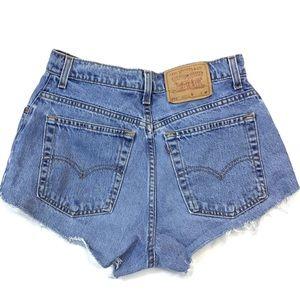 Vintage Levi's high rise cut off Jean Shorts